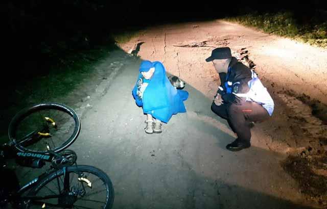 biciclist salvat de caine